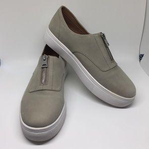 Steve Madden Gratis Grey Top Zip Shoes